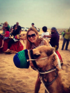 Аида и Никита покатались на верблюдах