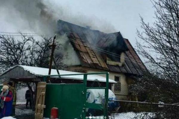 Пожар не могли потушить в течение нескольких часов.
