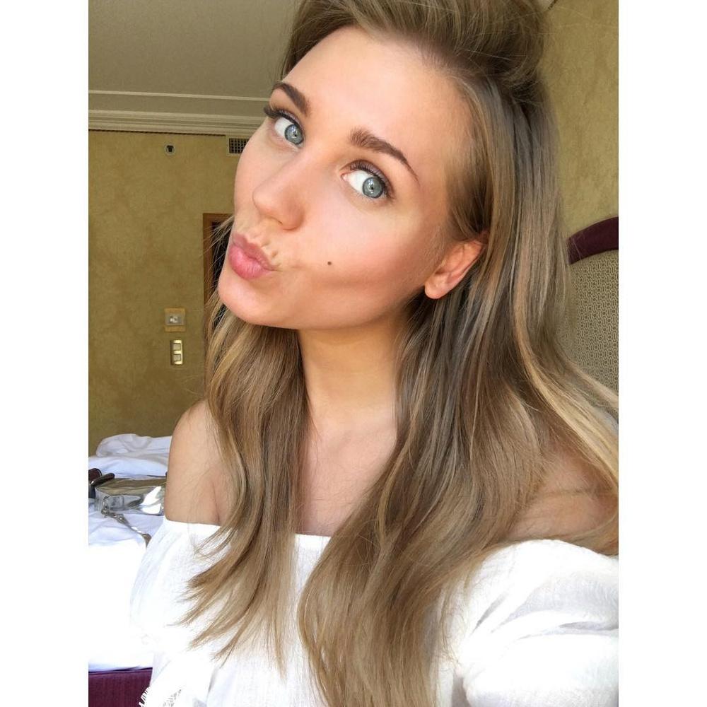 Кристина асмус цвет волос секса