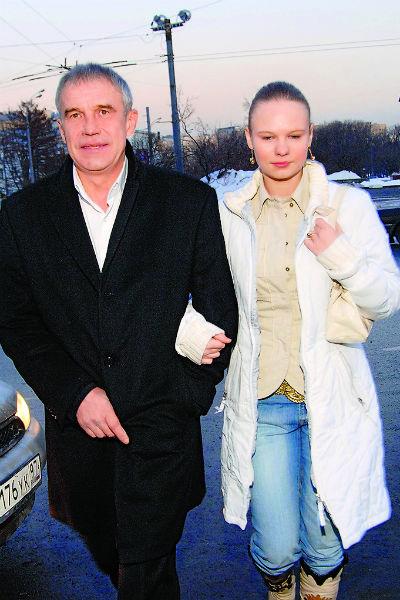 Дочь знаменитости Дарья часто обращается к отцу за советом, начало 2000-х