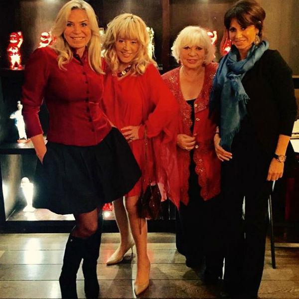 Алла Пугачева блистала в красном платье