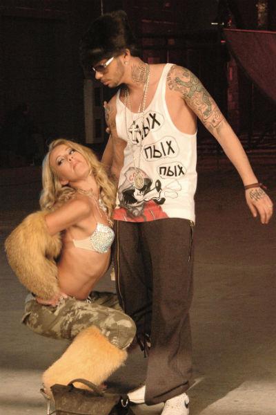 10 лет назад она предпочитала иной стиль и недвусмысленно намекала Тимати: «Потанцуй со мной!»