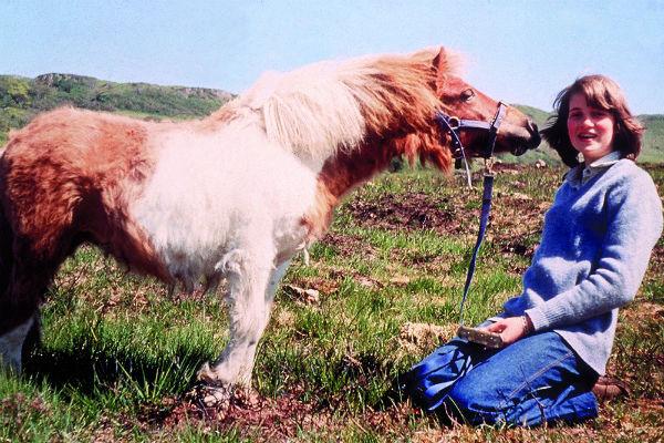 Спенсер родилась и выросла в графстве Норфолк