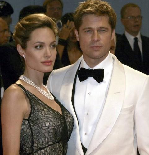 Анджелина Джоли и Брэд Питт официально развелись | StarHit.ru анджелина джоли и брэд питт