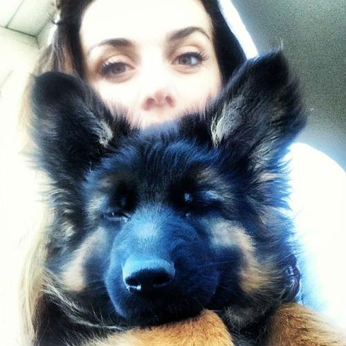 Анна со своим новым питомцем Баффи