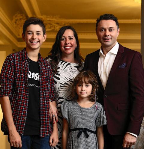 Андрей Носков с семьей