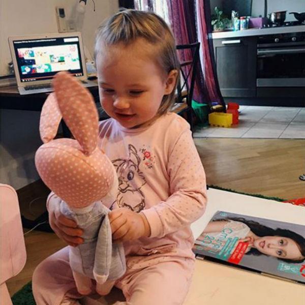 Элина признается, что ей непросто в одиночку воспитывать дочь