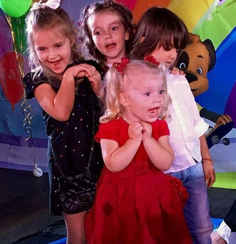 Опубликованы первые снимки с праздника детей Аллы Пугачевой