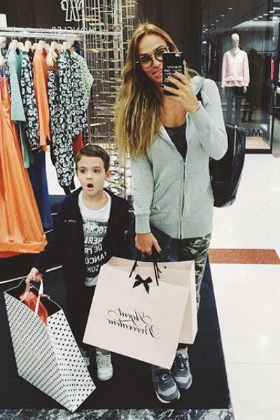 Алена гордится пятилетним сыном Богданом