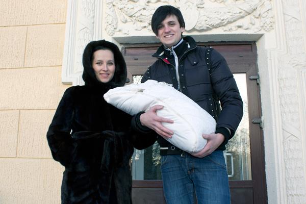 Отцом Дмитрий Колдун стал 20 января 2013 года. На годик певец купил для сына квартиру в Москве