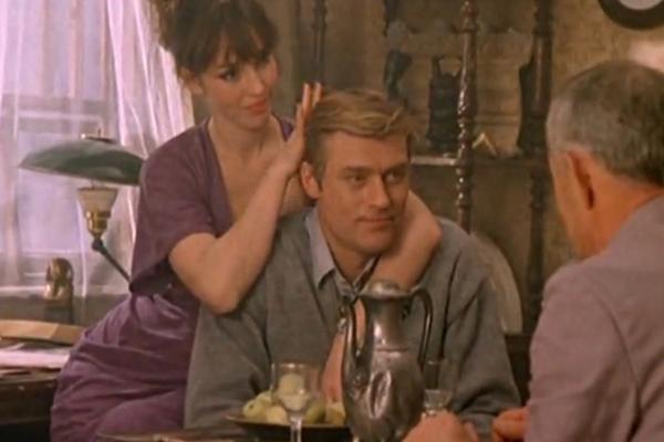 В культовом фильме конца 80-х «Воры в законе» партнершей Бориса Щербакова была одна из самых красивых актрис Анна Самохина