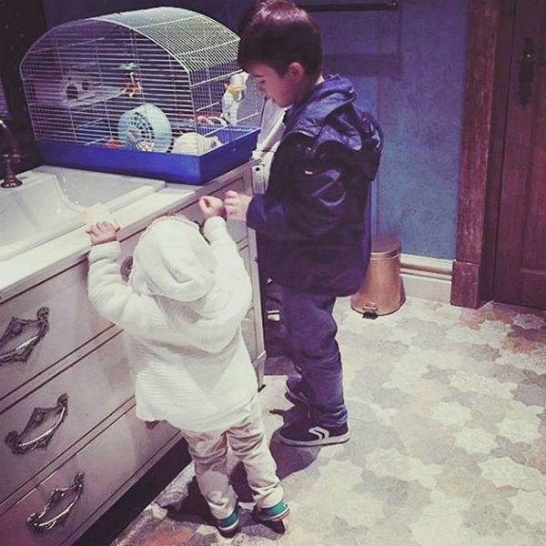 """Маленькая Амина иногда """"гоняет"""" сыновей Эмина Агаларова"""