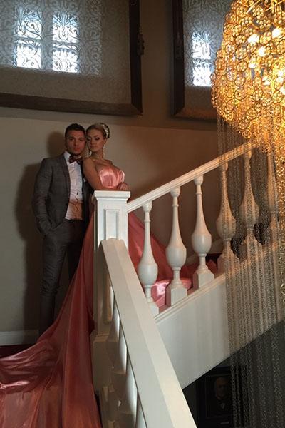 Розовый цвет для платья невесты - весьма необычный выбор