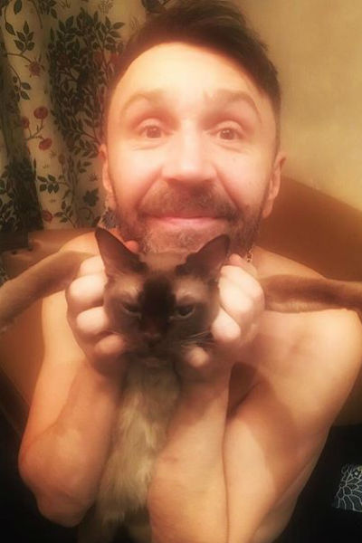 Сергей Шнуров и его кошка