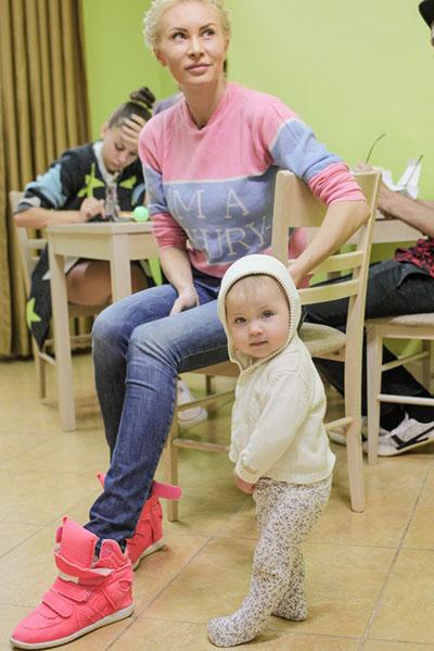 Элина с дочкой Сашенькой