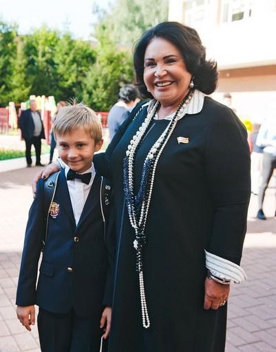 Внук Надежды Бабкиной, 6-летний Георгий, впервые пошел в школу