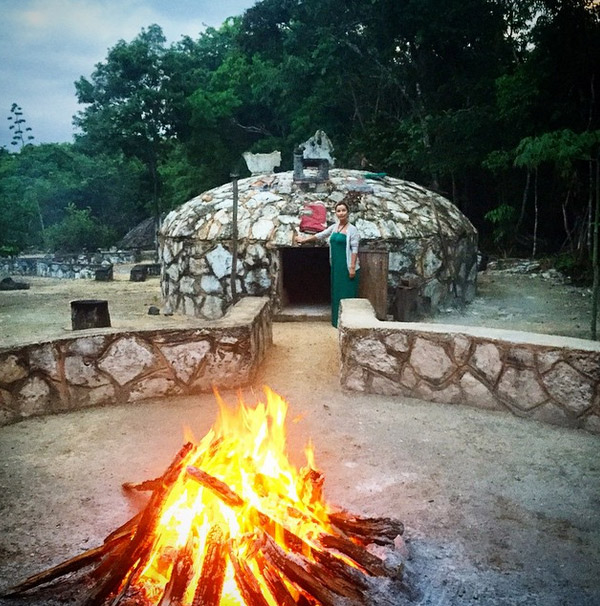 Орлова рядом с домиком шамана