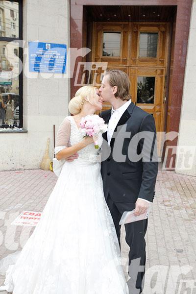 Рядом с мужем Лера просто светилась от счастья