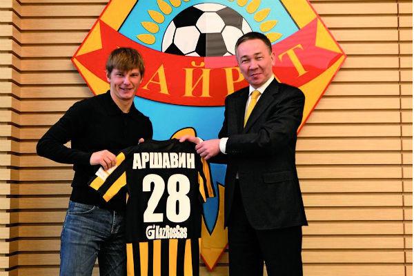 Последние три года футболист играл за казахстанскую команду