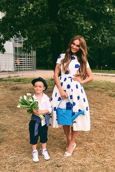 Алена Водонаева с сыном Богданом