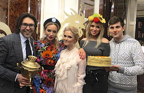Виктория Шелягова, главный идеолог праздника моя жена Наталья Шкулева, Ксения Сухинова и Дмитрий Борисов