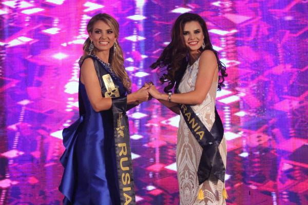 Татьяна вместе с Алиной на церемонии награждения