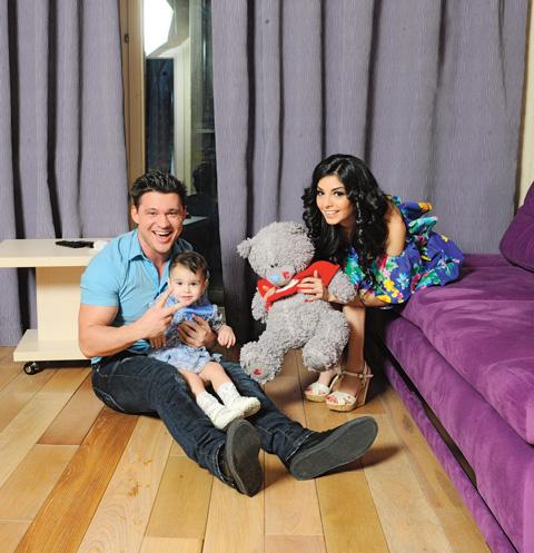 Алексей Кабанов с женой и дочерью