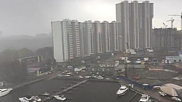 Вид из окна квартиры Политова