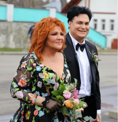 Певица Анастасия вышла замуж в восьмой раз