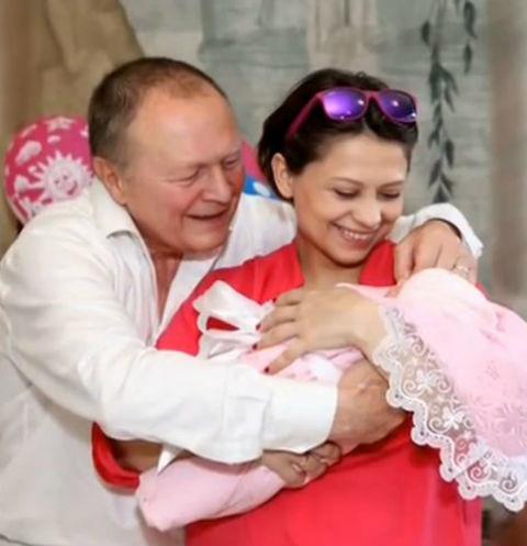 Борис Галкин с женой и дочерью