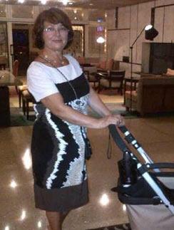Мама Жанны Фриске Ольга Владимировна с коляской