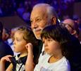 Растим смену: звездные дедушки рассказали о секретах воспитания внуков