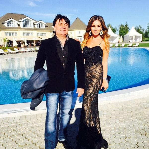 Певец Александр Серов с дочкой Мишель