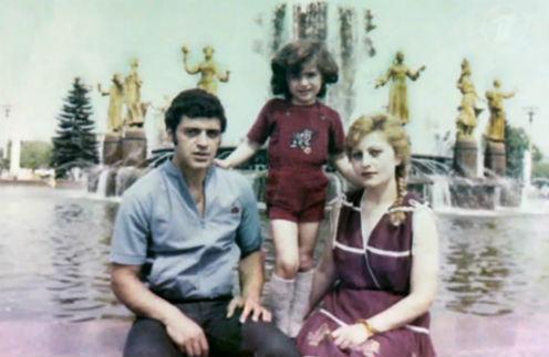 1984 год. Гурам с родителями на прогулке по ВДНХ