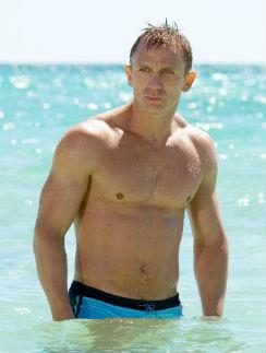 Дэниел Крейг, исполнивший роль Джеймся Бонда в последних лентах об агенте 007. Кадр из фильма.