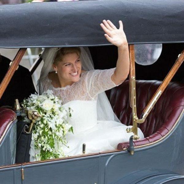 Невеста с удовольствием позировала фотографам
