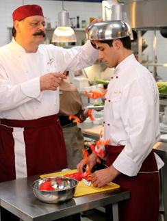 Дмитрий Назаров и Марк Богатрев на съемках сериала «Кухня»