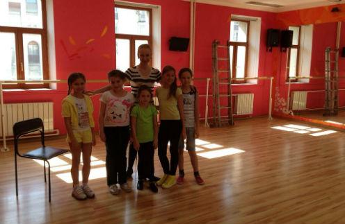 Ариадна на занятии в школе Яны Рудковской