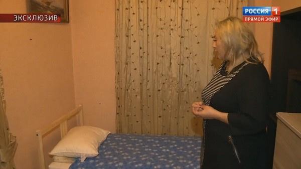 Оксана Богданова показывает условия, в которых жил Марьянов перед смерти