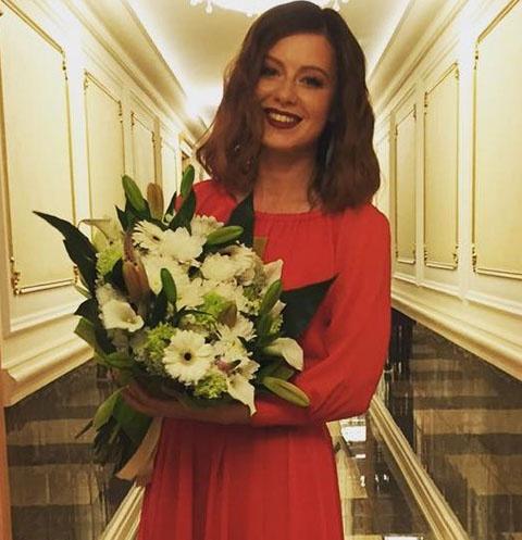 Юлия Савичева вернулась к гастролям после родов