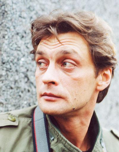 В «Бандитском Петербурге» персонаж Домогарова, журналист Серегин, появился до Дмитрия Певцова и продержался значительно дольше