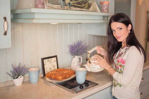 Актриса украсила кухню букетами из душистой лаванды