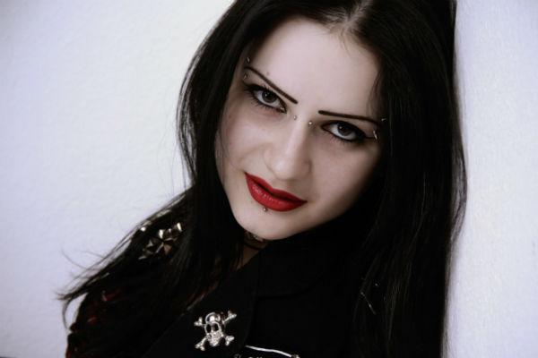 Ника Лировская