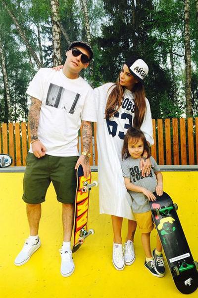 Айза Анохина с бывшим мужем Алексеем Долматовым и сыном Сэмом