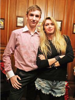 Рядом с хрупкой Брежневой 13-летний Родион выглядит настоящим мужчиной