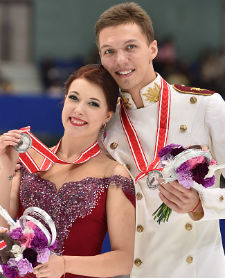 Екатерина Боброва и Дмитрий Соловьев (Танцы на льду)