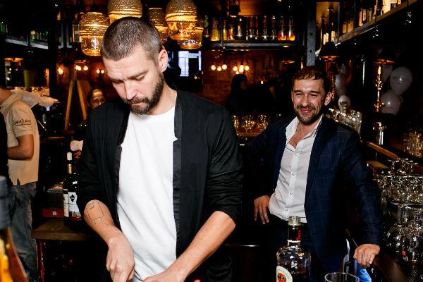 Черкасов пропустил открытие ресторана, где Владимир Кристовский самостоятельно угощал гостей