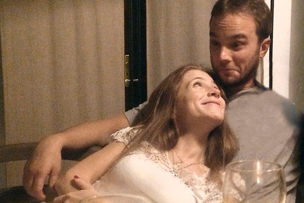 Юля и Андрей, как и все влюбленные, не могут насмотреться друг на друга