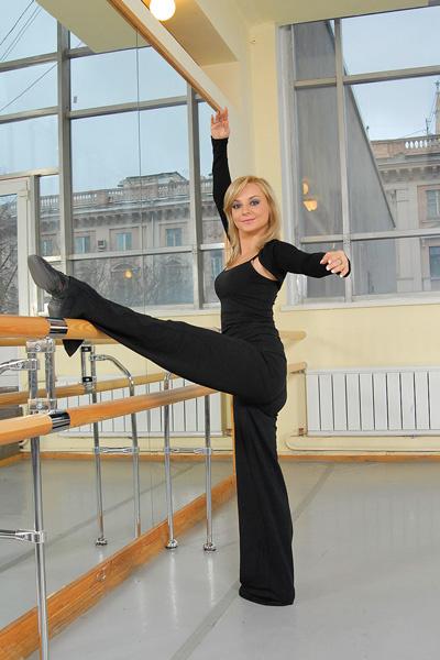 Восстановить форму после родов актрисе помогают занятия в танцевальном зале