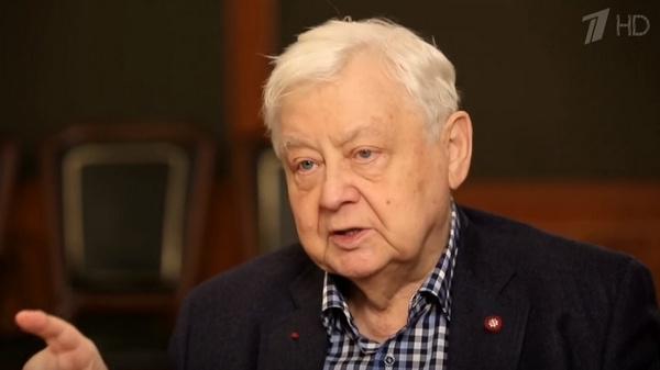 Олег Табаков родился 17 августа 1935 года в Саратове